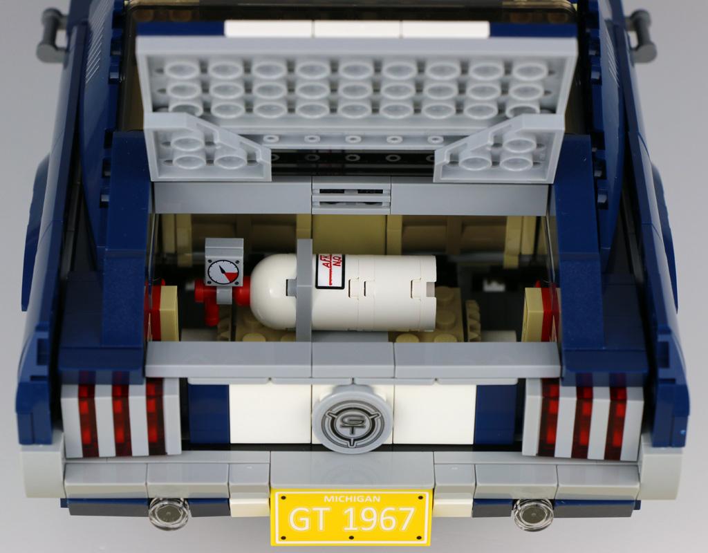 lego-creator-expert-ford-mustang-10265-kofferraum-lachgas-2019-zusammengebaut-andres-lehmann zusammengebaut.com