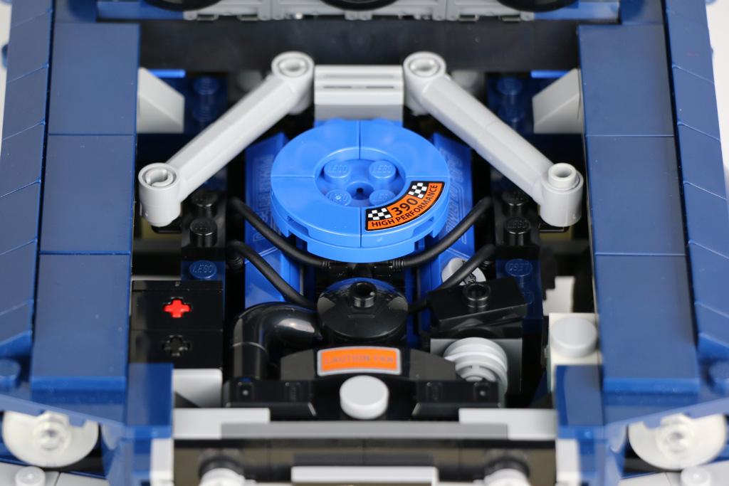lego-creator-expert-ford-mustang-10265-motor-2019-zusammengebaut-andres-lehmann zusammengebaut.com