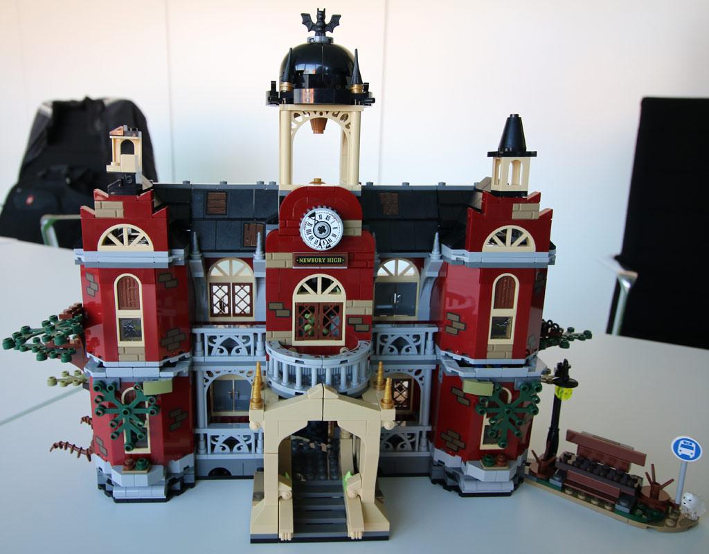 lego-hidden-side-the-high-school-70425-rueckseite-billund-front-2019-zusammengebaut-andres-lehmann zusammengebaut.com