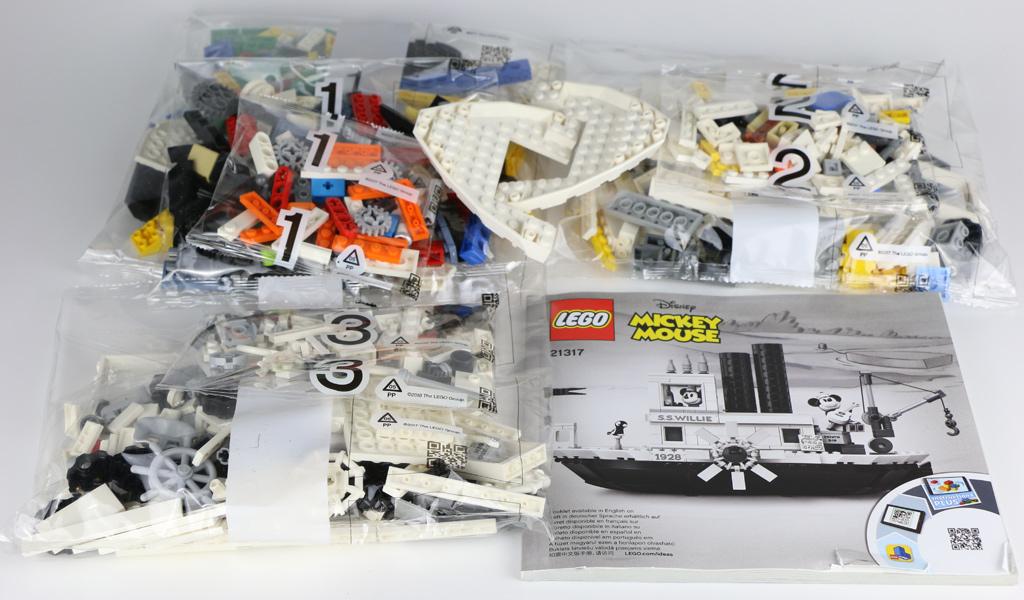 lego-ideas-steamboat-willie-21317-2019-inhalt-zusammengebaut-andres-lehmann zusammengebaut.com