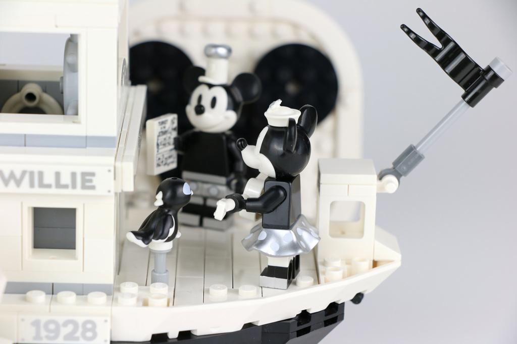 lego-ideas-steamboat-willie-set-21317-disney-mickey-mouse-minnie-gitarre-2019-zusammengebaut-andres-lehmann zusammengebaut.com
