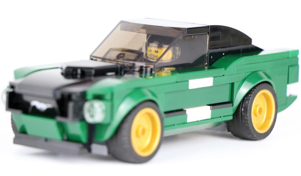 lego-speed-champions-ford-mustang-fastback-1968-75884-cockpit-2019-zusammengebaut-andres-lehmann zusammengebaut.com