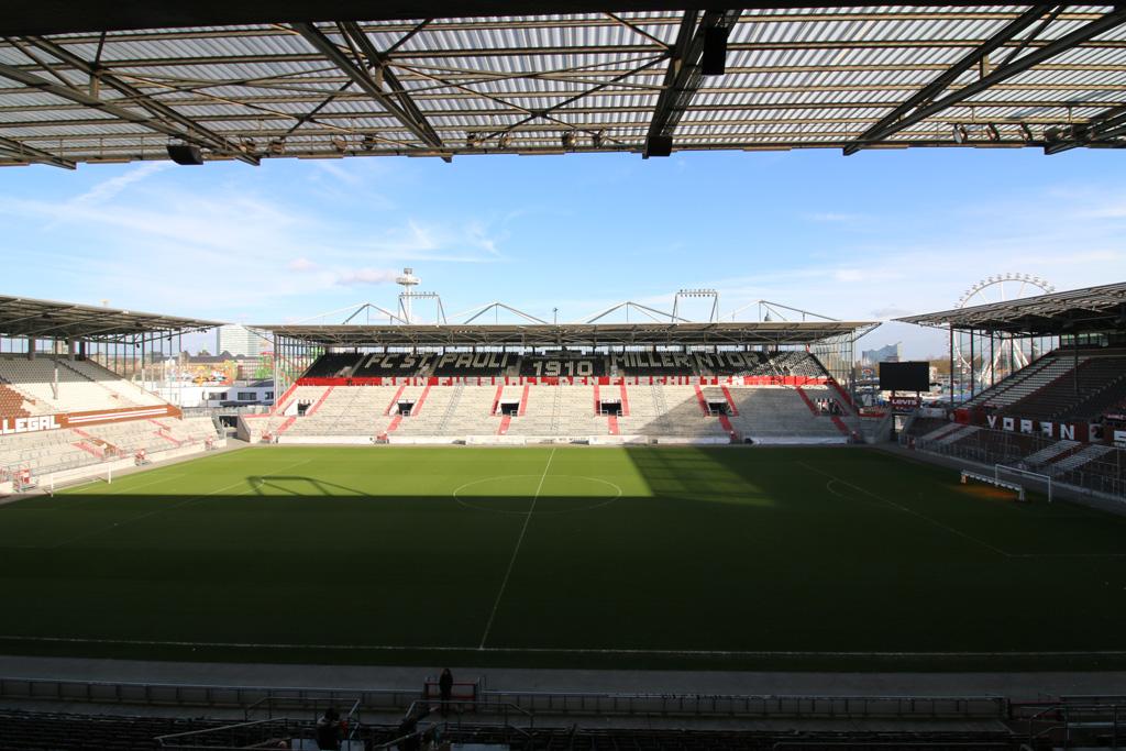 millerntor-fussball-stadion-floating-bricks-hamburg-2019-zusammengebaut-andres-lehmann zusammengebaut.com