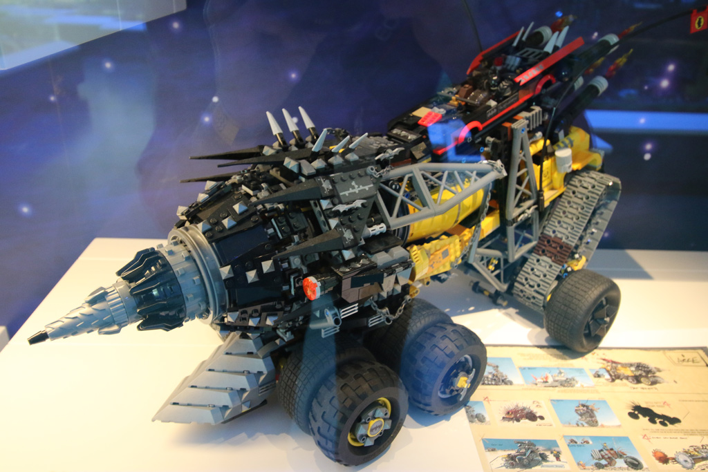 the-lego-movie-2-batmans-battle-vehicle-final-lego-house-2019-zusammengebaut-andres-lehmann zusammengebaut.com
