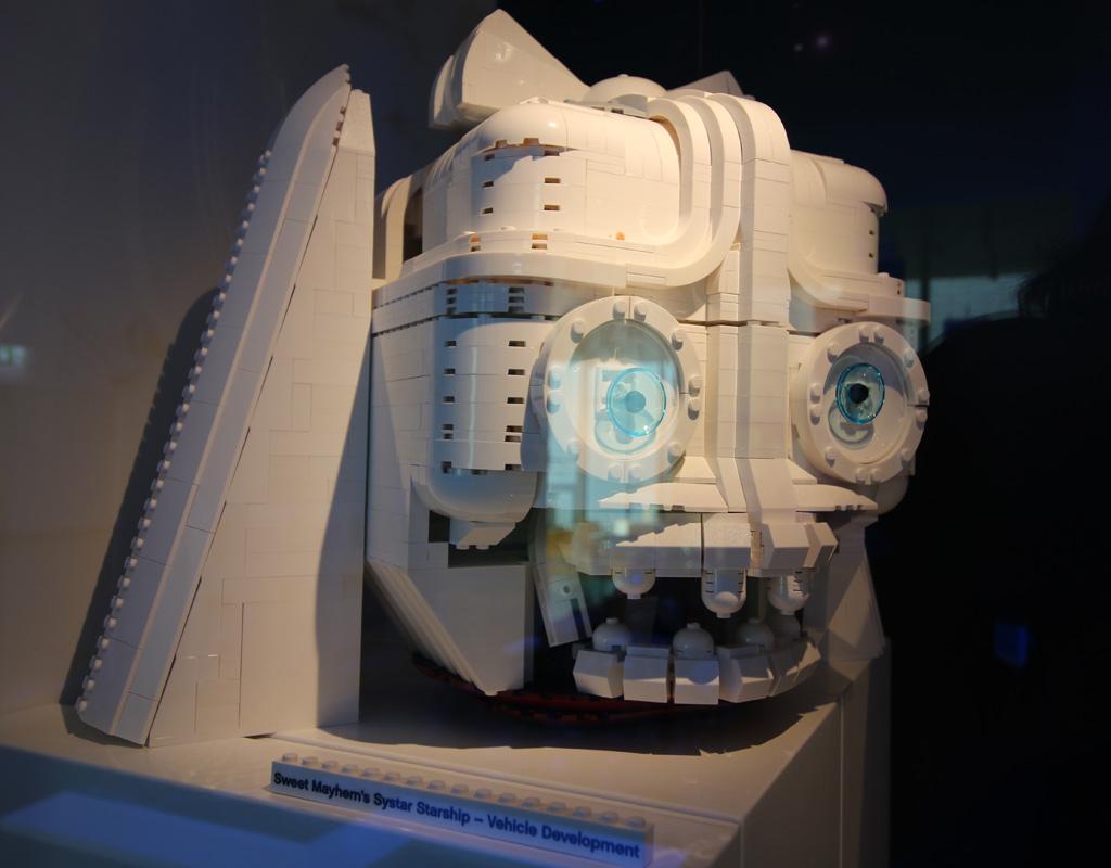 the-lego-movie-2-sweet-mayhems-systar-starship–entwurf-studie-vehicle-development-erste-version-lego-house-2019-zusammengebaut-andres-lehmann zusammengebaut.com