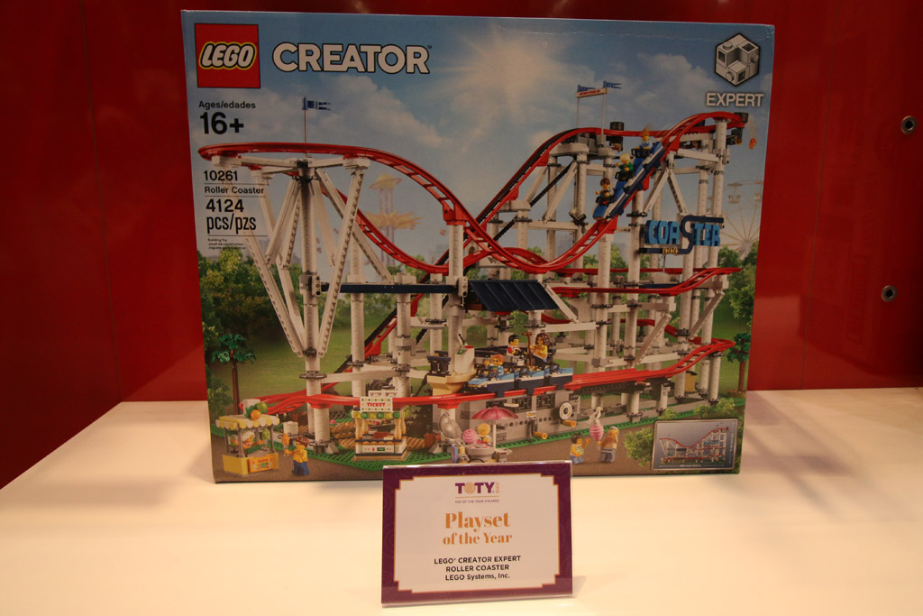 toy-of-the-year-award-lego-toy-fair-2019-roller-coaster-10261-usammengebaut-andres-lehmann zusammengebaut.com