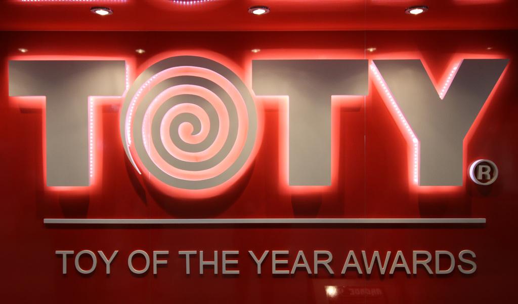 toy-of-the-year-award-lego-toy-fair-logo-2019-zusammengebaut-andres-lehmann zusammengebaut.com