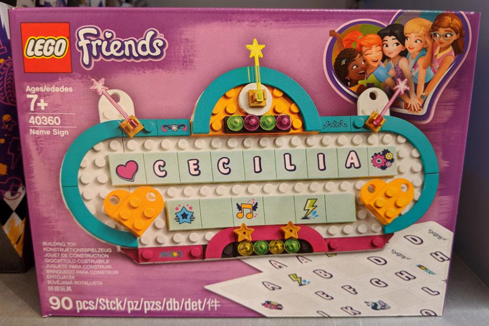 lego-friends-namensschild-40360-box-2019 zusammengebaut.com