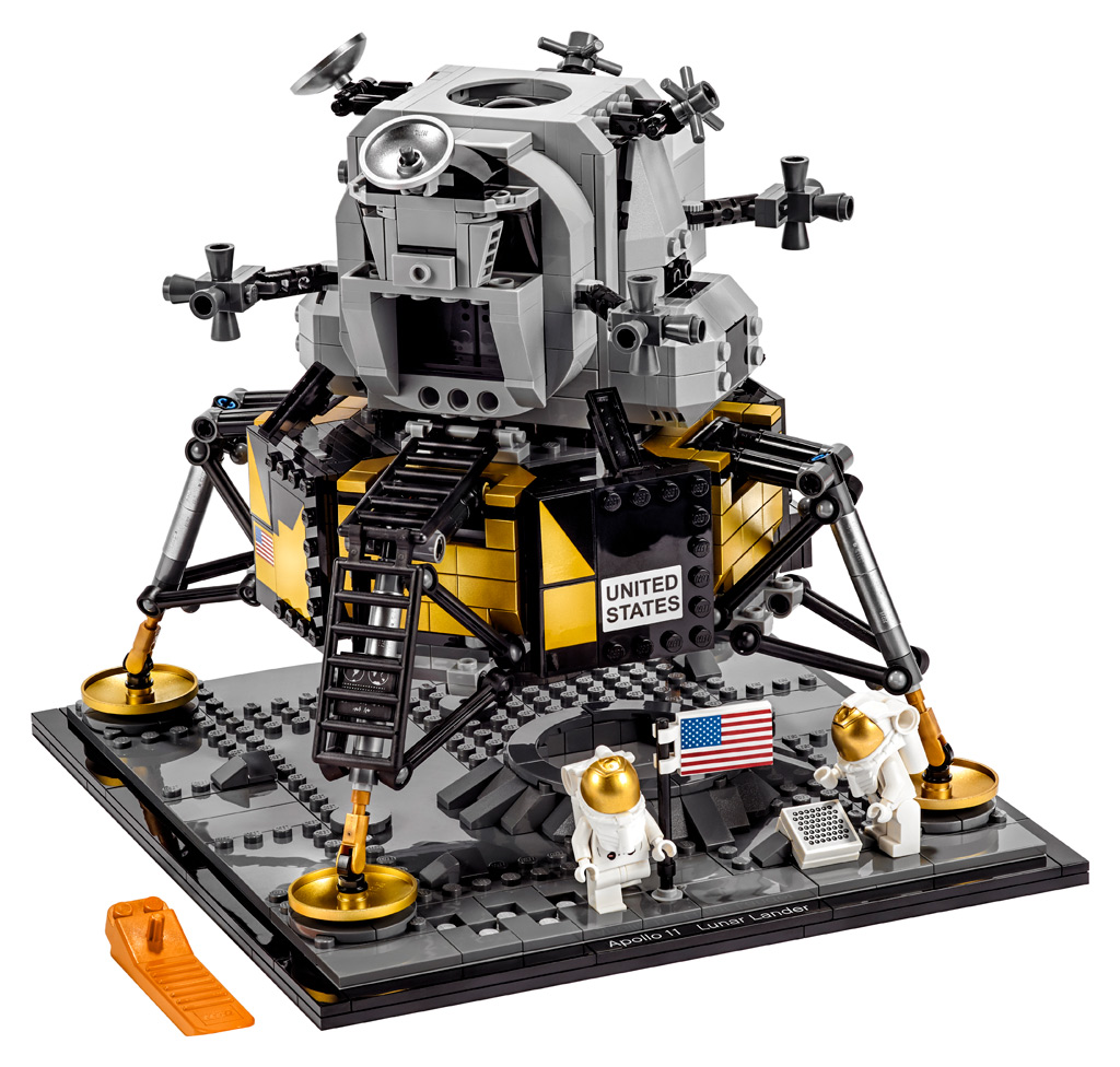 lego creator expert nasa apollo 11 lunar lander 10266. Black Bedroom Furniture Sets. Home Design Ideas