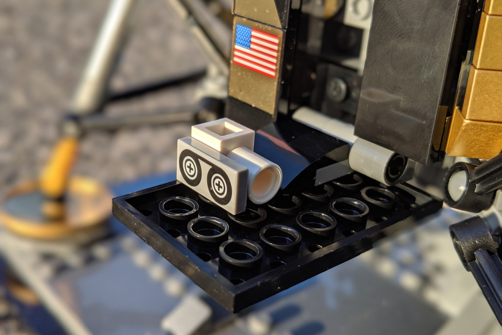 lego-creator-expert-nasa-apollo-11-lunar-lander-10266-mondlandefaehre-2019--kamera-zusammengebaut-andres-lehmann zusammengbaut.com