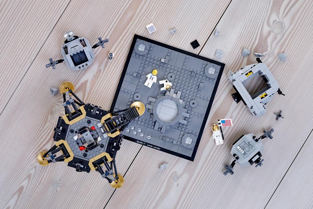lego-creator-expert-nasa-apollo-11-lunar-lander-10266-mondlandefaehre-2019-komponenten zusammengbaut.com