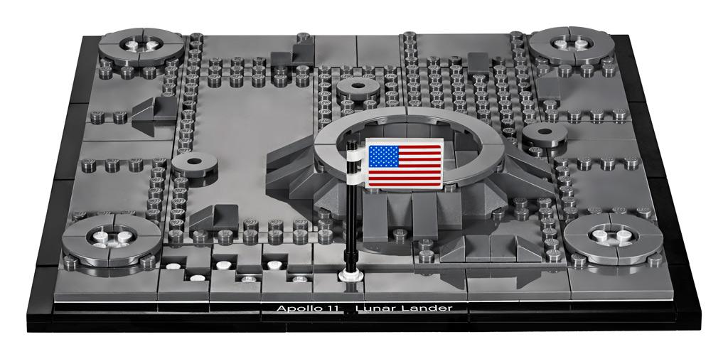 lego-creator-expert-nasa-apollo-11-lunar-lander-10266-mondlandefaehre-2019-plattform zusammengebaut.com