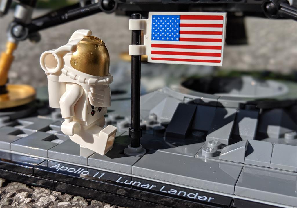 lego-creator-expert-nasa-apollo-11-lunar-lander-10266-mondlandefaehre-2019--schritte-zusammengebaut-andres-lehmann zusammengebaut.com