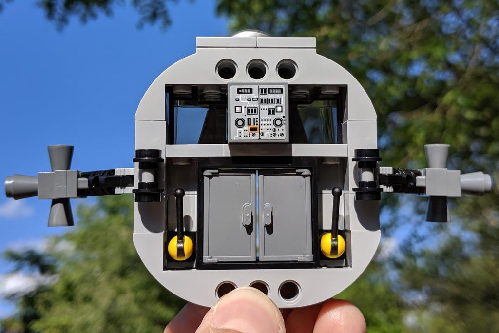 lego-creator-expert-nasa-apollo-11-lunar-lander-10266-mondlandefaehre-2019--seite-zusammengebaut-andres-lehmann zusammengebaut.com