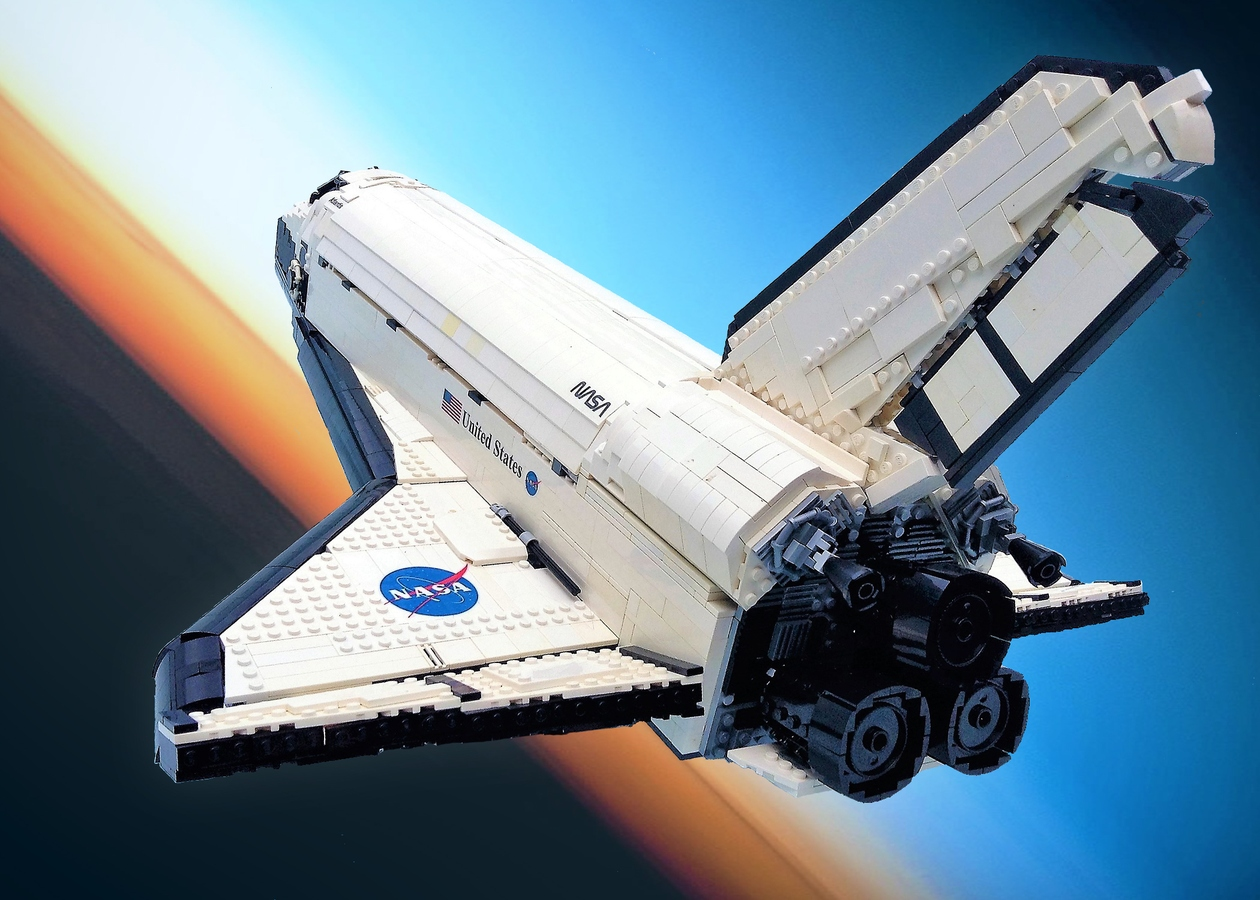 lego-ideas-ucs-space-shuttle-atlantis-snelson42 zusammengebaut.com