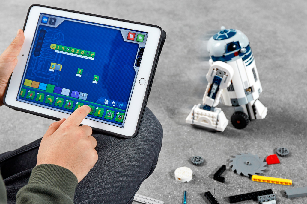 lego-star-wars-boost-droid-gonk-mouse-r2-d2-commander-set-app-tablet zusammengebaut.com