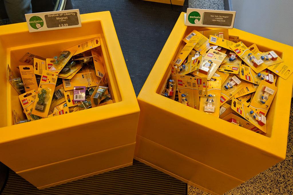 lego-store-rockefeller-center-magnete-2019-zusammengebaut-andres-lehmann zusammengebaut.com
