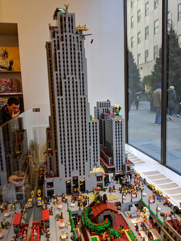 lego-store-rockefeller-center-modell-2019-zusammengebaut-andres-lehmann zusammengebaut.com