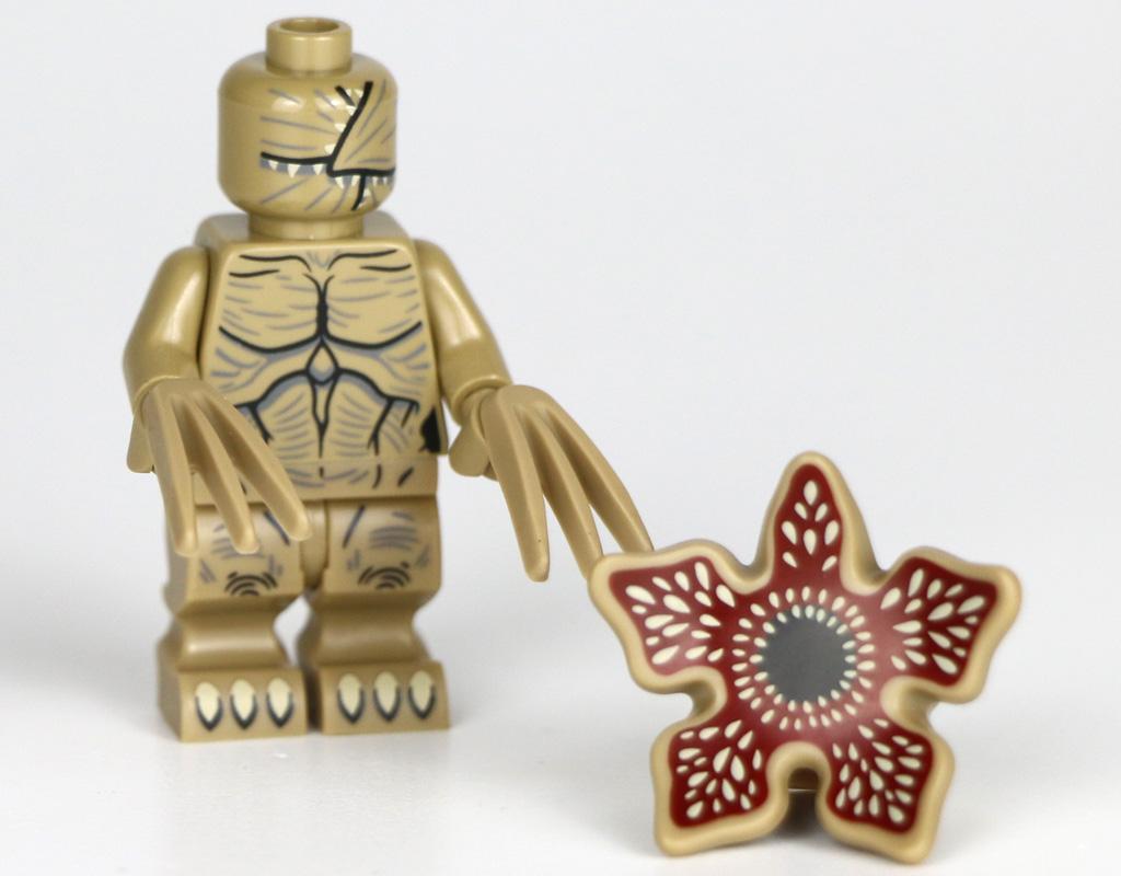 lego-stranger-things-the-upside-down-75810-haus-veranda-fliese-minifigur-blume-2019-zusammengebaut-andres-lehmann zusammengebaut.com