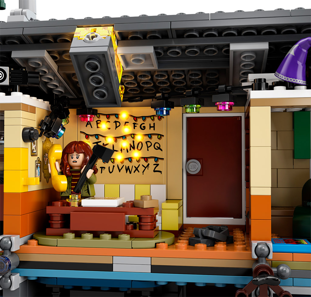 lego-stranger-things-the-upside-down-75810-leuchtstein-2019 zusammengebaut.com
