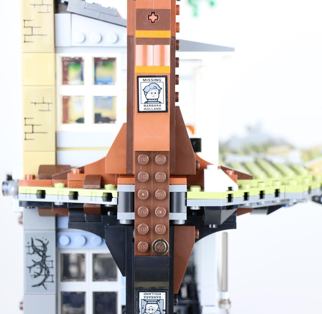 lego-stranger-things-the-upside-down-75810-seite-baum-2019-zusammengebaut-andres-lehmann zusammengebaut.com