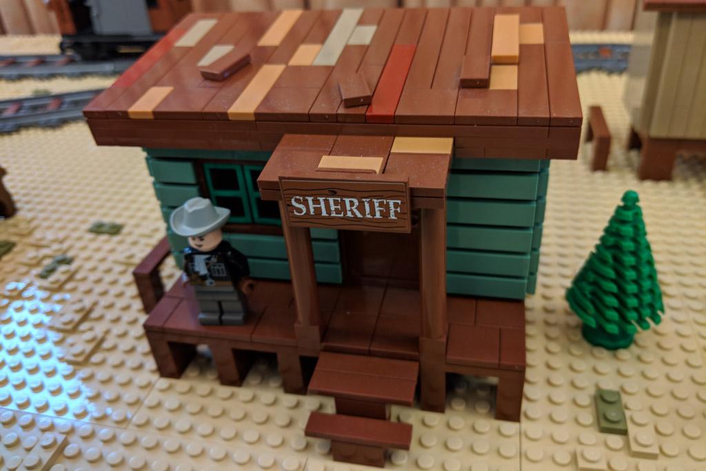 lego-wild-west-city-sheriff-2019-zusammengebaut-andres-lehmann zusammengebaut.com