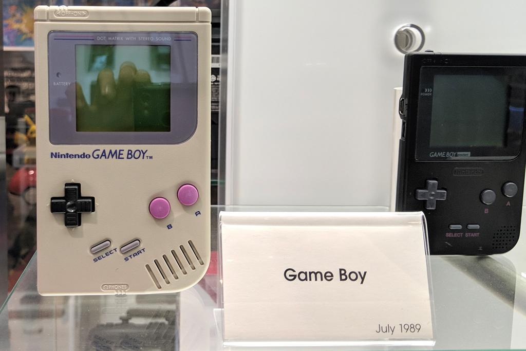 offizieller-nintendo-store-nyc-manhattan-game-boy-2019-zusammengebaut-andres-lehmann zusammengebaut.com