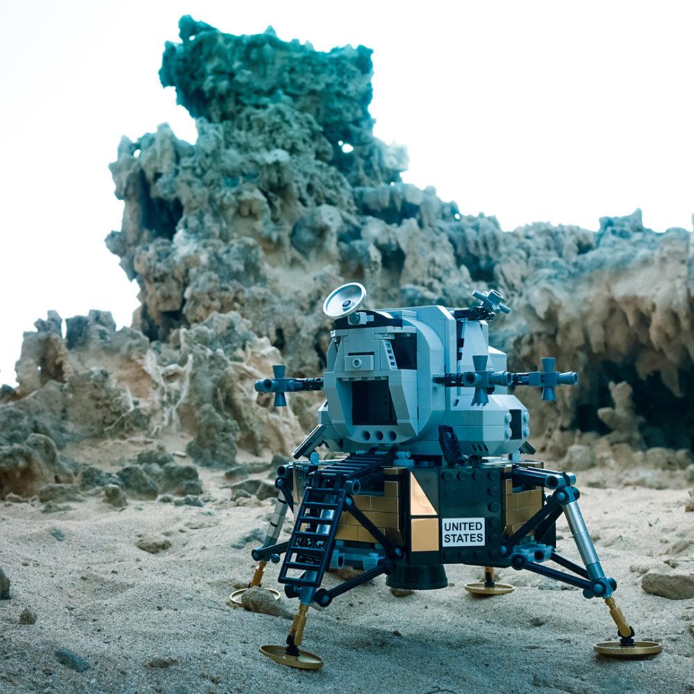 10266_LEGO-Creator-Expert_NASA-Apollo-11-Mondlandefähre_UGC_Brett-Wilson_02 zusammengebaut.com