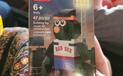 lego-boston-red-sox-maskottechen-wally zusammengebaut.com