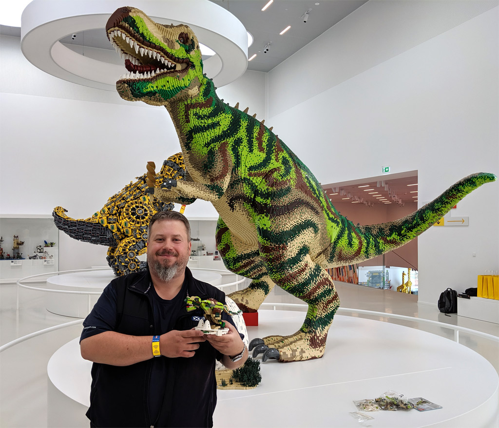 lego-house-dinosaurs-set-40366-bau-event-matthias-billund-2019-zusammenegebaut-andres-lehmann zusammengebaut.com