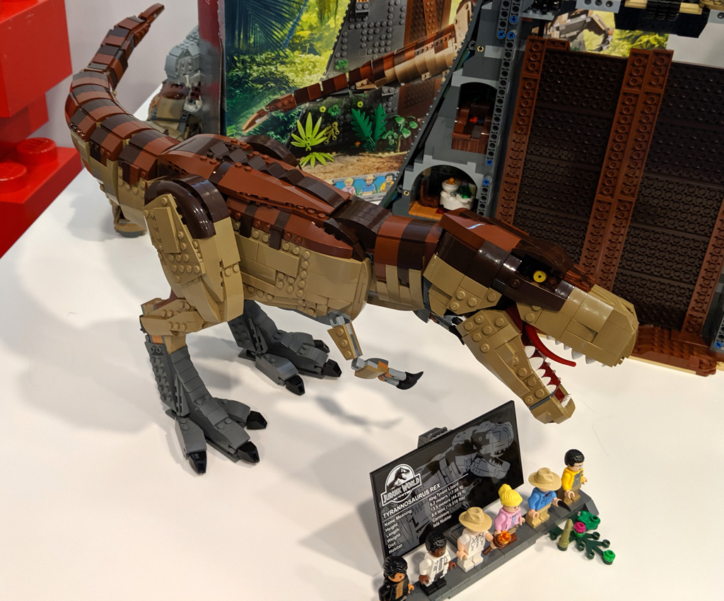 lego-jurassic-park-t-rex-verwuestung-set-75936-2019-zusammengebaut-andres-lehmann zusammengebaut.com