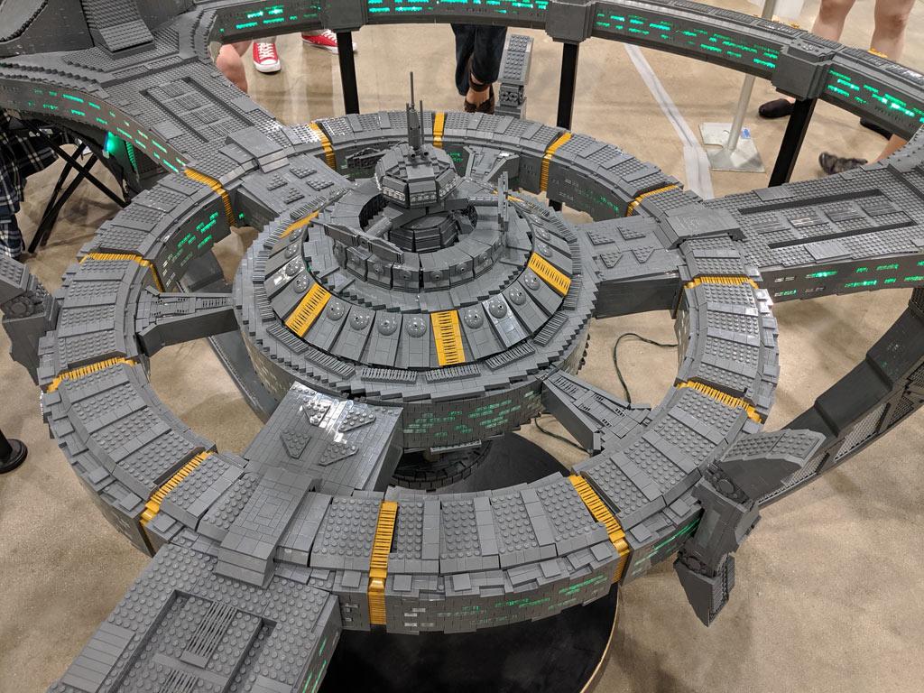 lego-star-trek-deep-sapce-9-adrian-drake-draufsicht-details-2019-zusammengebaut-john-hanlon zusammengebaut.com