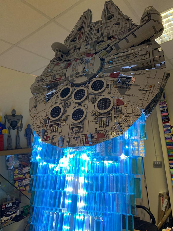 lego-star-wars-ucs-millennium-falcon-75192-mod-hyperdrive-nahansicht-jason-v-joiner zusammengebaut.com
