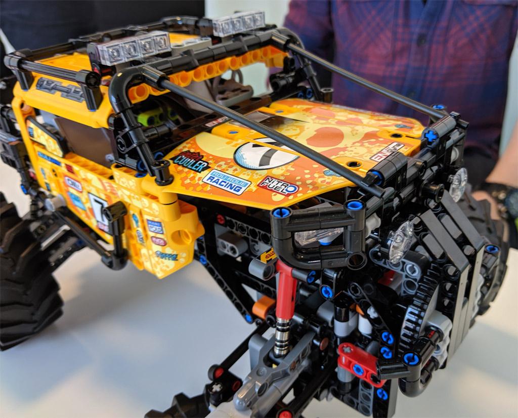 lego-technic-4×4-X-treme-off-roader-42099-front-2019-zusammengebaut-andres-lehmann zusammengebaut.com