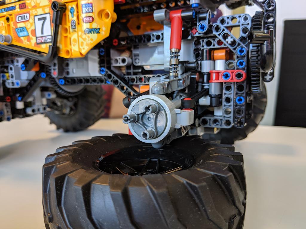 lego-technic-4×4-X-treme-off-roader-42099-rad-2019-zusammengebaut-andres-lehmann zusammengebaut.com