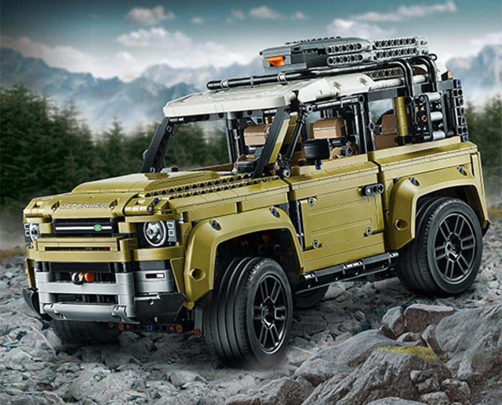 lego-technic-land-rover-defender-42110-gelaende-2019 zusammengebaut.com