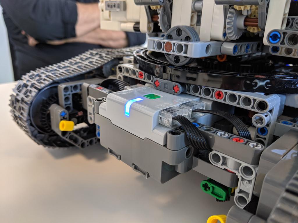 lego-technic-liebherr-r-9800-42100-heck-2019-zusammengebaut-andres-lehmann zusammengebaut.com