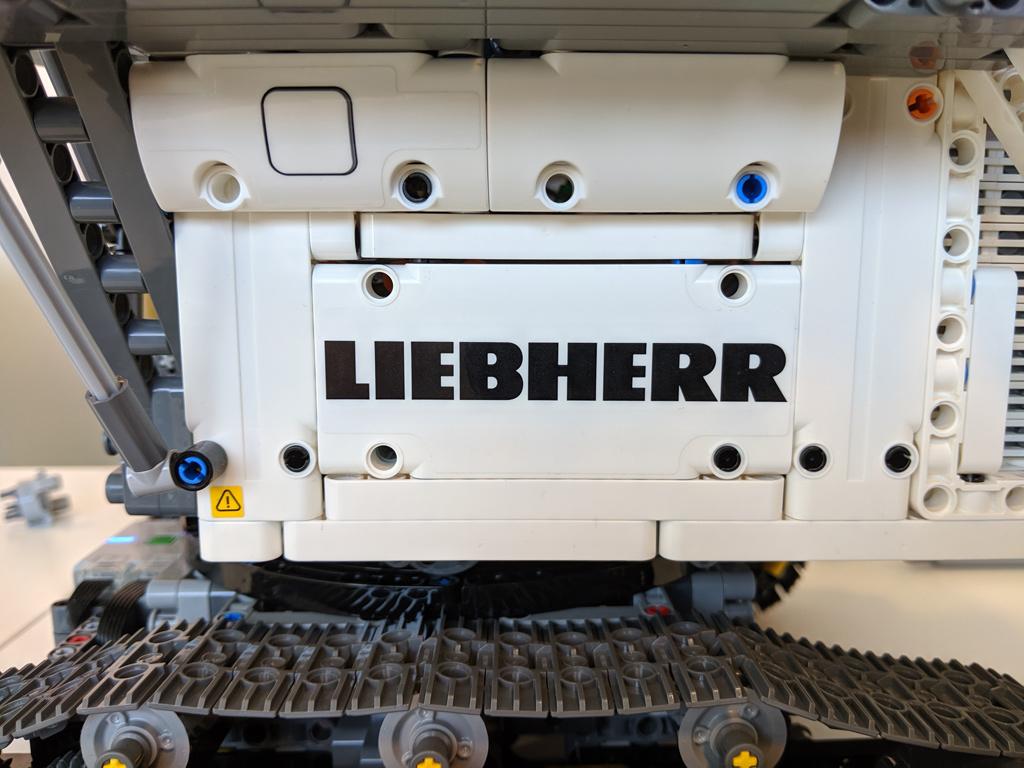 lego-technic-liebherr-r-9800-42100-sticker-2019-zusammengebaut-andres-lehmann zusammengebaut.com