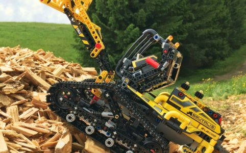 lego-technic-raupenlader-42094-2019-zusammengebaut-andre-micko zusammengebaut.com