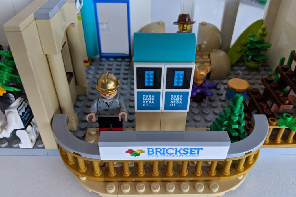 lego-tower-etage-brickset-balkon-werbung-2019-zusammengebaut-andres-lehmann zusammengebaut.com