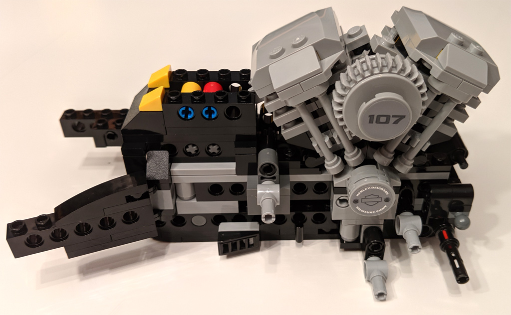 lego-creator-expert-harley-davidson-fat-boy-10269-bauabschnitt-1-2019-zusammengebaut-andres-lehmann zusammengebaut.com