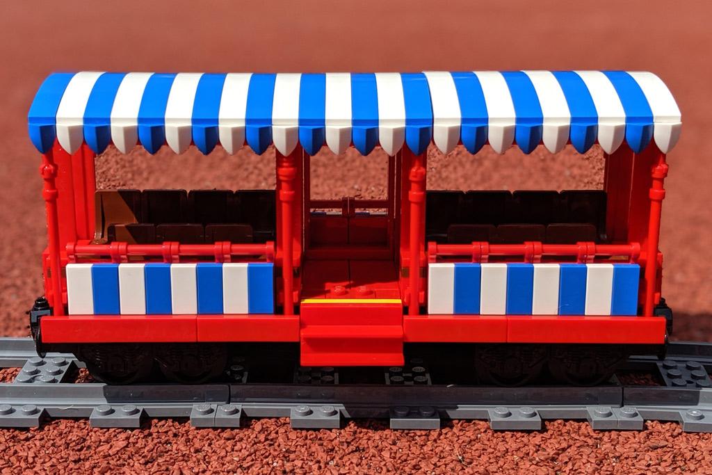 lego-disney-train-and-station-zug-und-bahnhof-71044-anhaenger-panorame-wagen-2019-zusammengebaut-andres-lehmann zusammengebaut.com