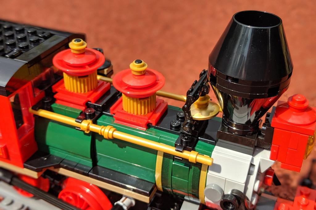 lego-disney-train-and-station-zug-und-bahnhof-71044-lokomotive-details-2019-zusammengebaut-andres-lehmann zusammengebaut.com