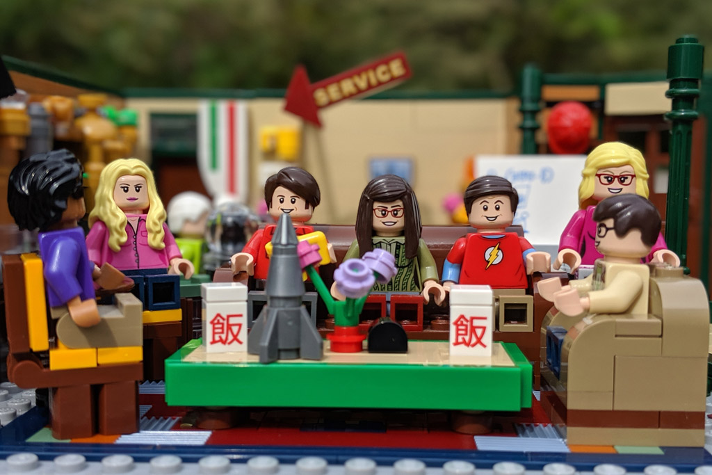 lego-ideas-friends-central-perk-21319-the-big-bang-theory-21302-treffen-2-2019-zusammengebaut-andres-lehmann zusammengebaut.com