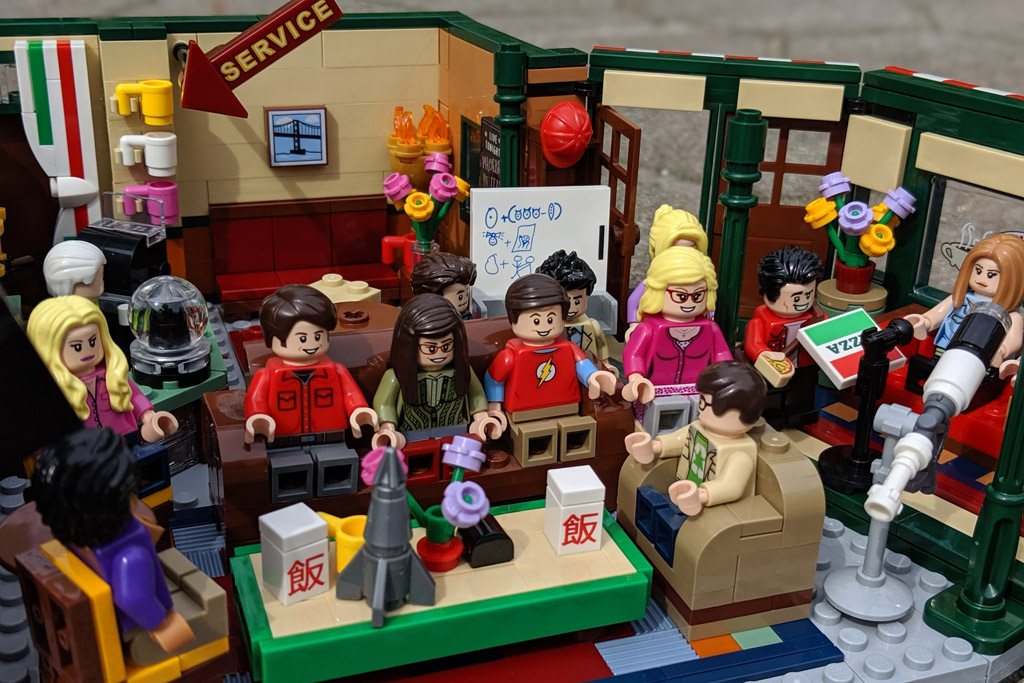 lego-ideas-friends-central-perk-21319-the-big-bang-theory-21302-treffen-4-2019-zusammengebaut-andres-lehmann zusammengebaut.com