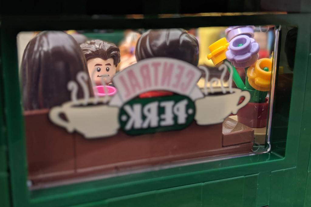 lego-ideas-friends-central-perk-21319-the-big-bang-theory-21302-treffen-9-2019-zusammengebaut-andres-lehmann zusammengebaut.com