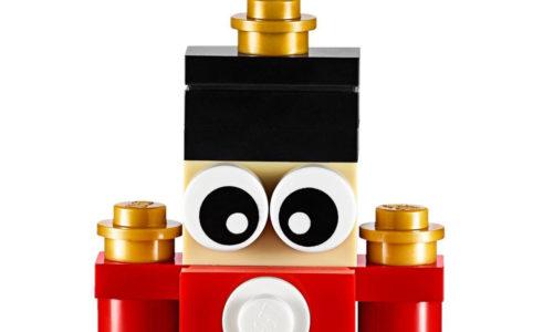 lego-spielzeug-soldat-ornament-853907-2019-ausschnitt zusammengebaut.com