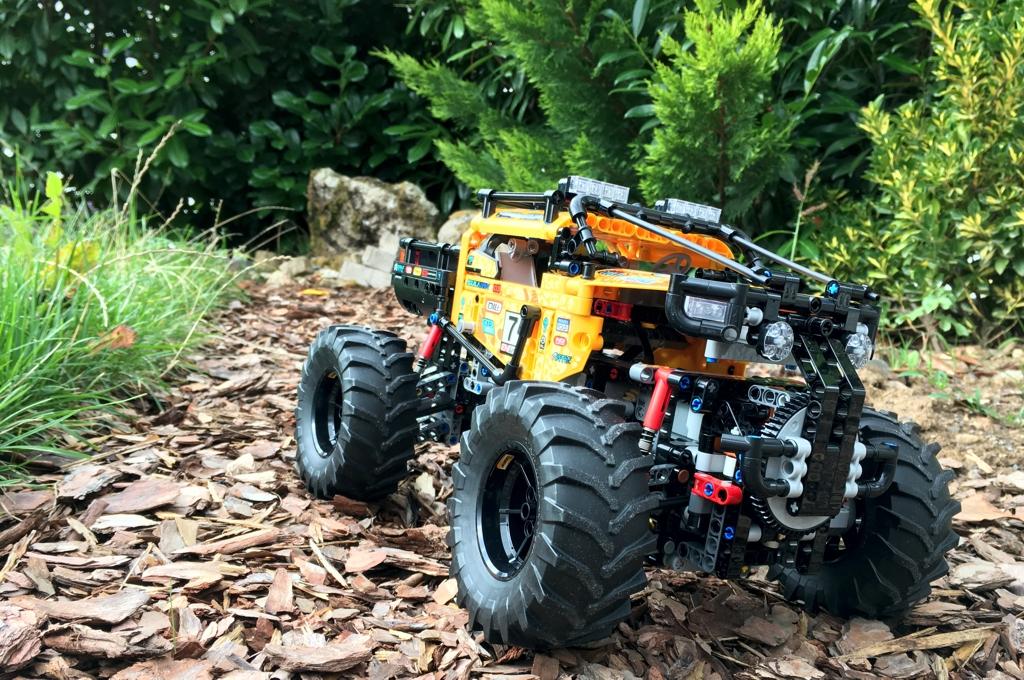 lego-technic-allrad-xtreme-gelaendewagen-42099-control-plus-front-2019-zusammengebaut-andre-micko zusammengebaut.com
