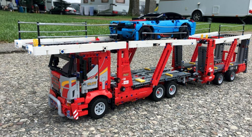 lego-technic-autotransporter-42098-2019-zusammengebaut-andre-micko zusammengebaut.com