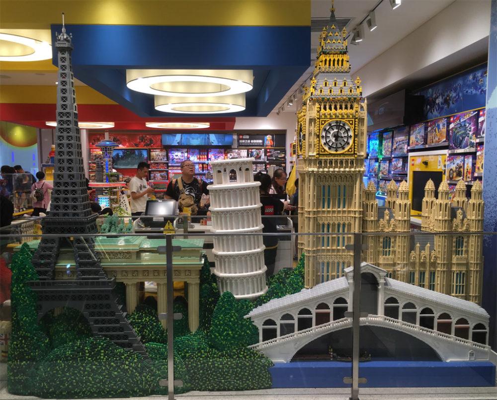 shanghai-lego-store zusammengebaut.com